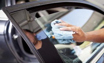 автохимия-для-стекол-зеркал-автомобиля